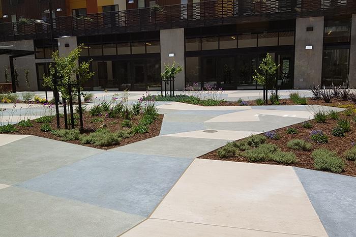 a1_sizing_Residential_1751 Carroll Avenue Senior Housing_Courtyard