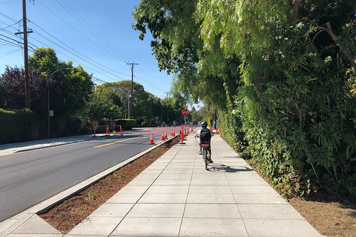 a1_sizing_transportation_Palo Alto Bike Blvd_kid on bike