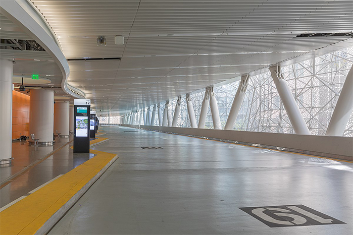 Transportation Transbay_Transit_Center,_on_the_day_after_the_opening-7114