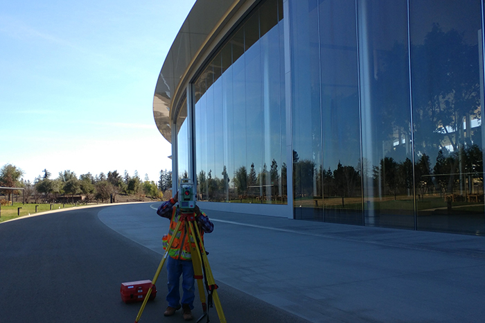 Workplace-Apple Building, Surveying Cloesup
